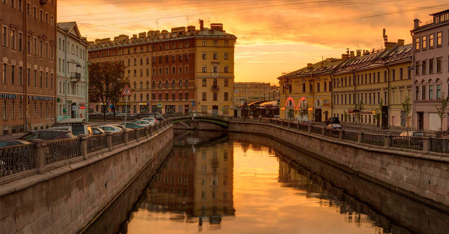 The return to Antique Saint Petersburg