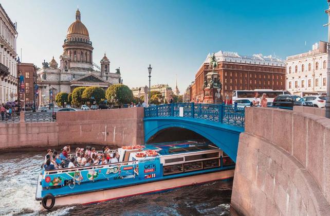 Hop on hop off: лучшие водные ракурсы Петербурга за день... или два