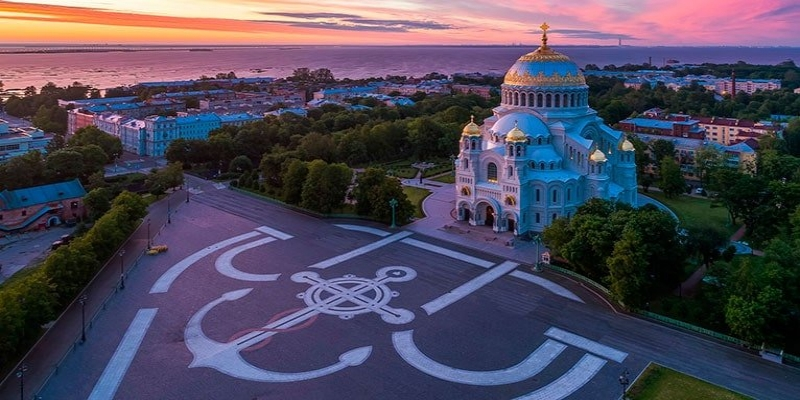 Excursion to Kronstadt on a hydrofoil with a visit into the Naval Cathedral and the monastic meal