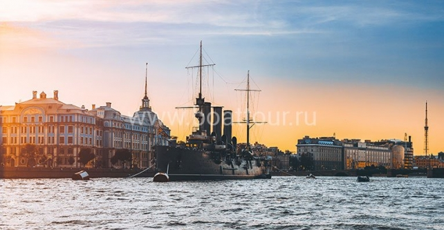 Façades of Saint Petersburg from the Sheremetyev palace quay, Rossi pavilion and Pushkin's memorial flat